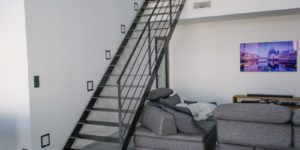 rondcarre-escalier-acier-design